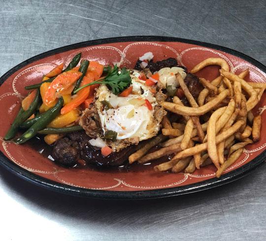 Bitoque - Steak portugais avec un oeuf